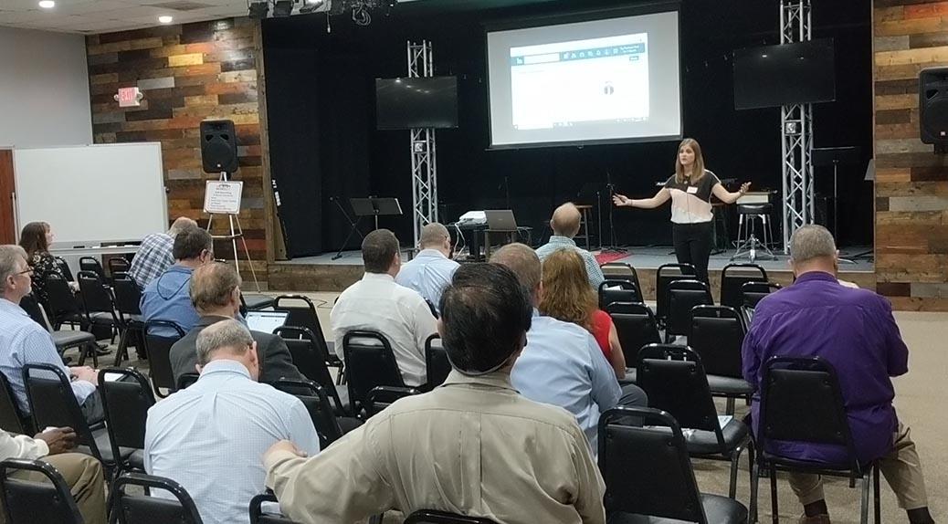 Lorie Camacho, LinkedIn Expert teaching