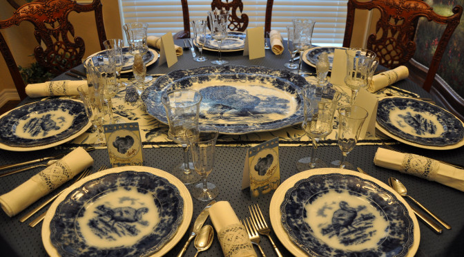 "A Thanksgiving for True Blue Loved Ones with ""Turkey Day"" Dinner Party Décor Ideas"