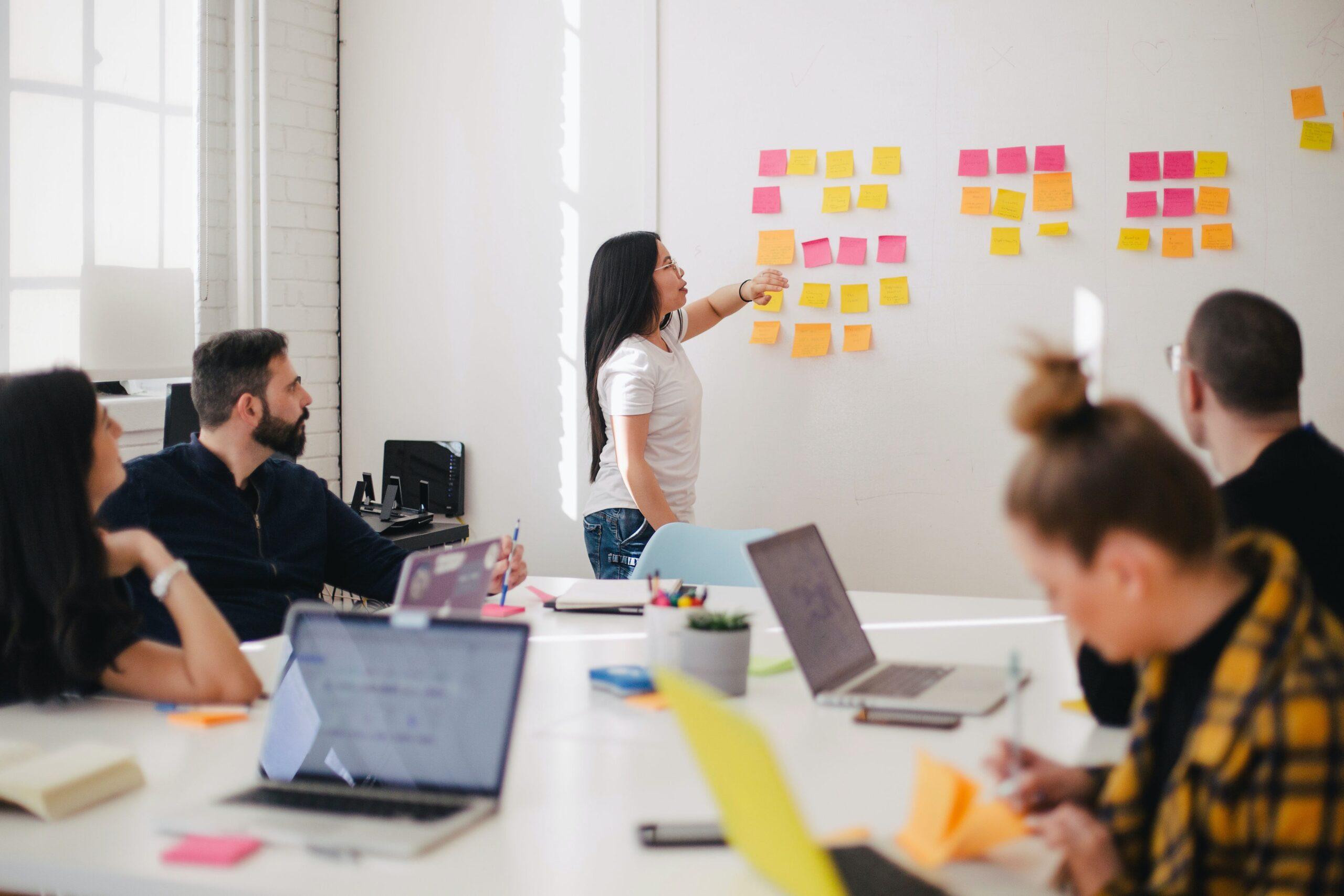 3 retos a los que se enfrenta una pequeña y mediana empresa  en marcha
