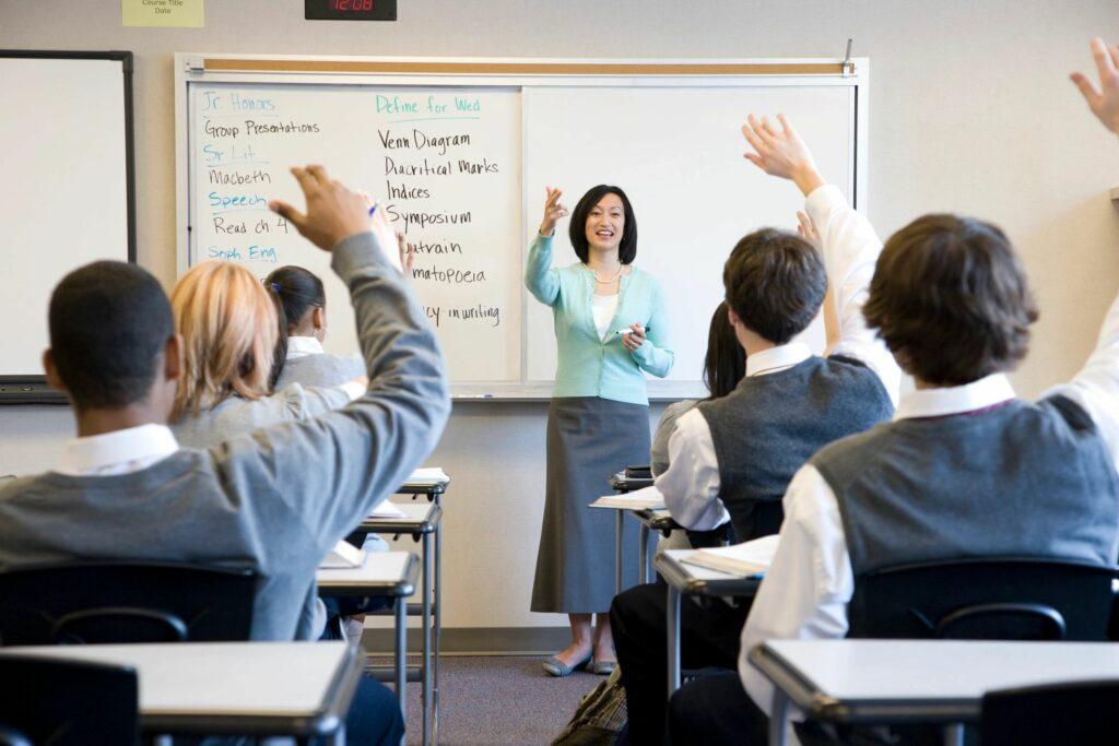 Bahia  inscreve em processo seletivo para professor temporário.