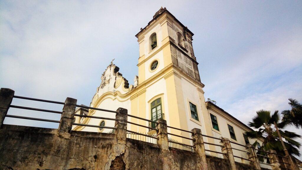 Prefeitura de Olinda inscreve em cursos gratuitos de idiomas e informática.