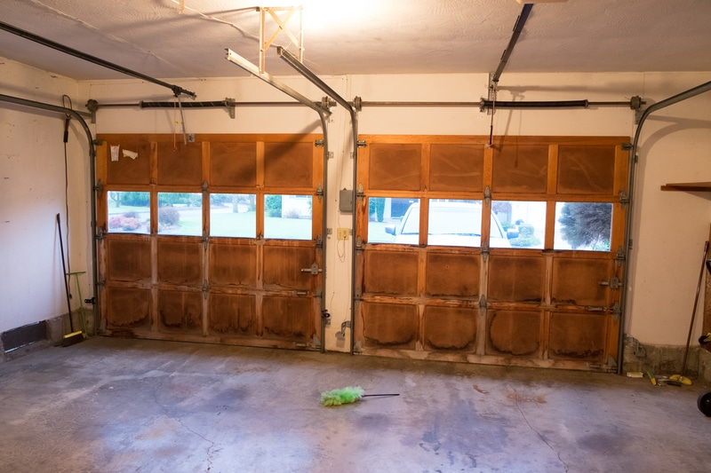 How to Properly Remodel a Grungy Garage