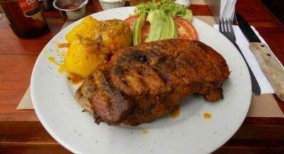 Gatronomía llanera- plato con carne