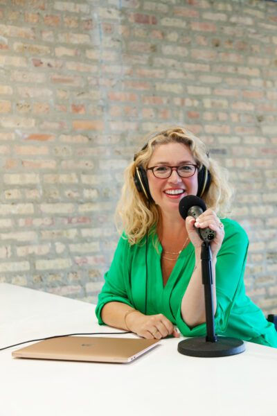 Heather Vickery. Success and leadership coach, global leader, best selling author execuitive producer and host of The Brave Files Podcast