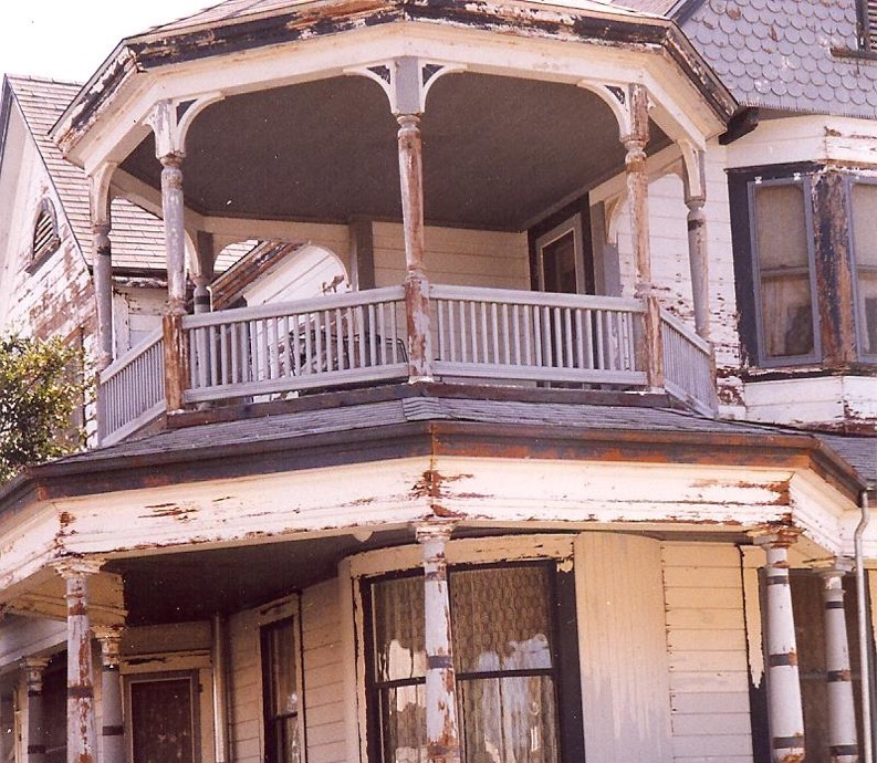Queen Anne Victorian historic house painting restoration Winters CA Easton Painting