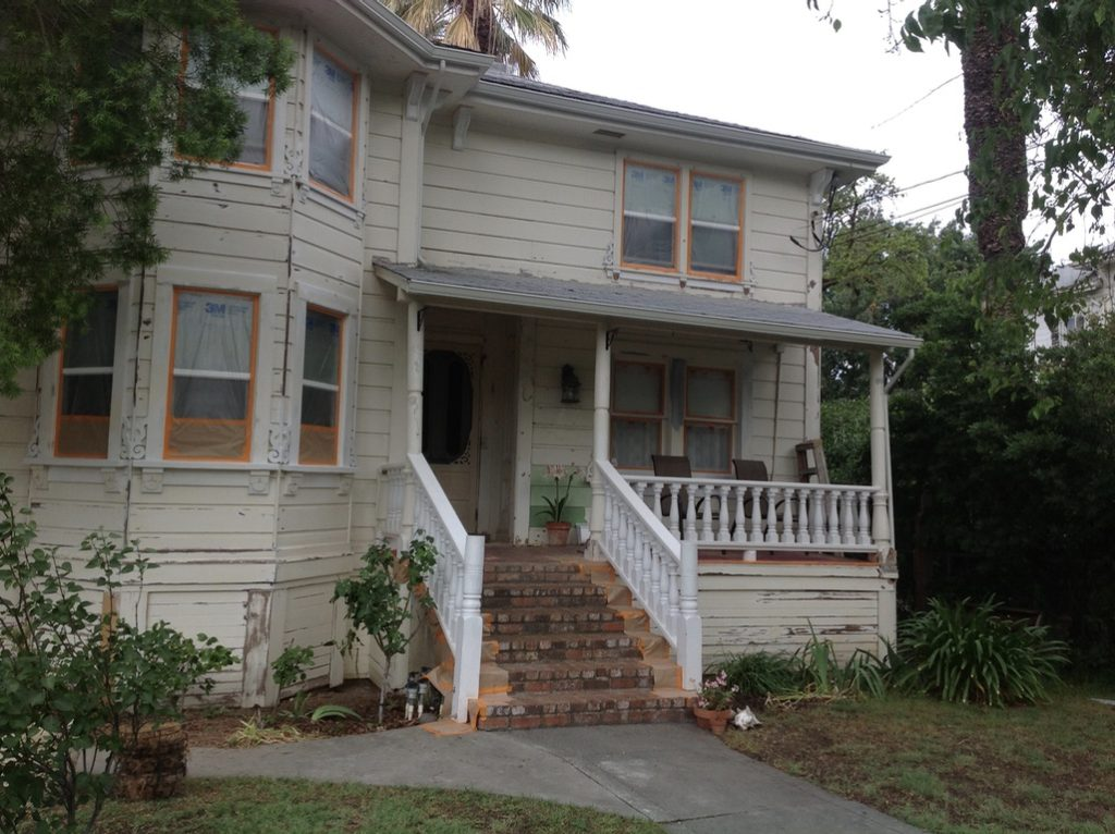 Victorian Farmhouse painting and restoration by Easton Painting Woodland CA