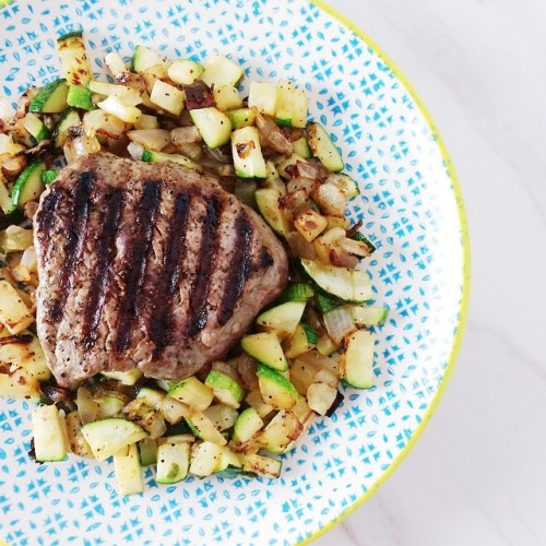 Filet with Zucchini & Onions