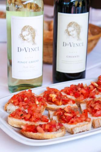DaVinci Wine & Bruschetta