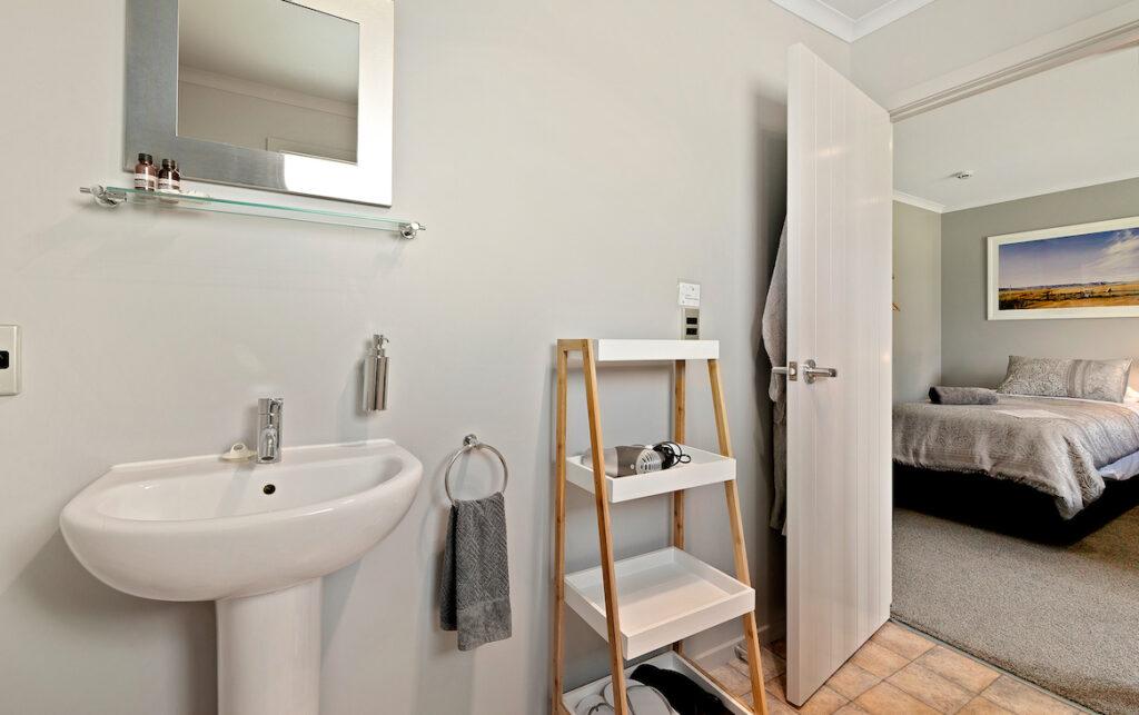 bathroom of Room 2