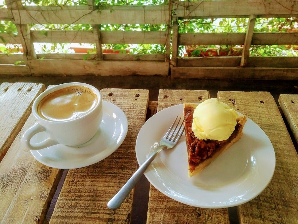 Pastel a la Mode y Cafe