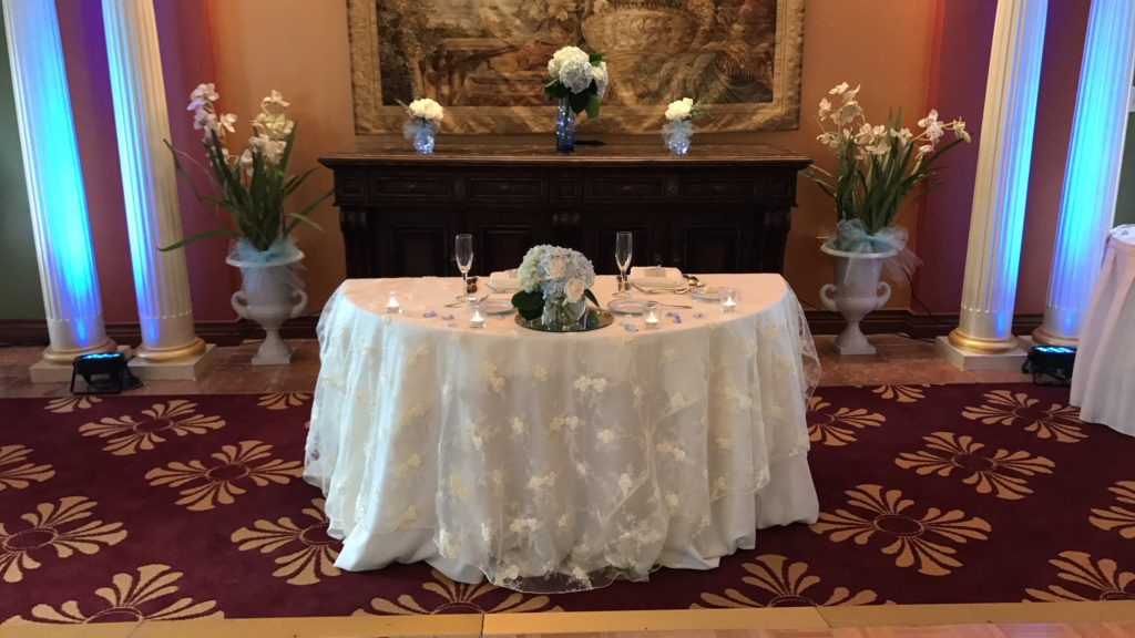 Ivory Baby Rose Sweetheart Tablecloth