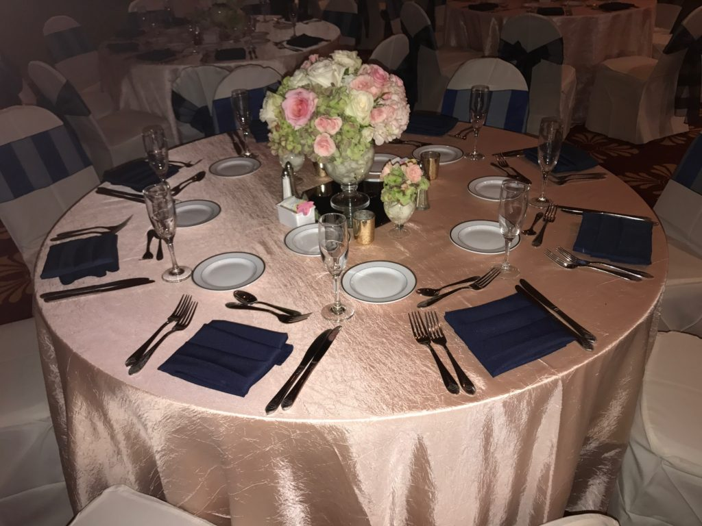 Blush Crush Tablecloth w Navy Poly Napkins