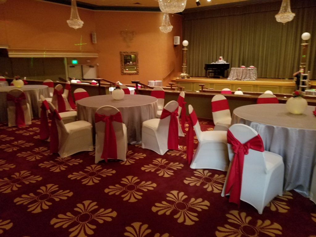 Lilac Tablecloth w/ Red Crush Sashes and Red Crush Napkins