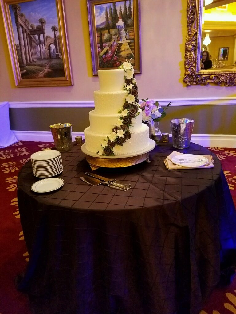 Eggplant Pintuck Cake Tablecloth