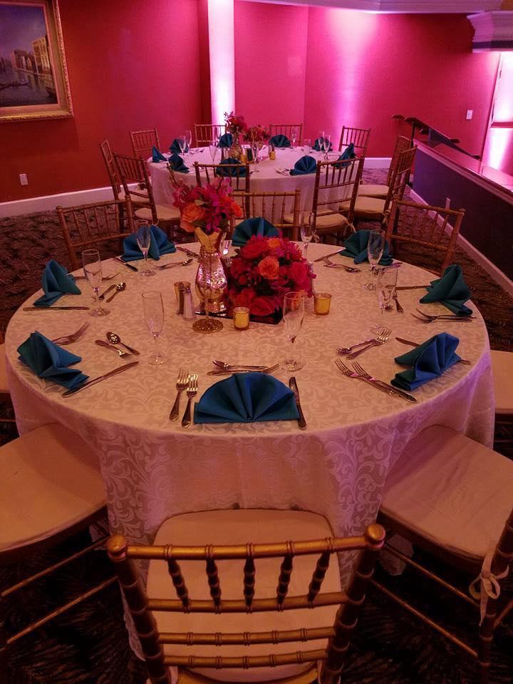 White Damask Tablecloths w/ Turquoise Napkins