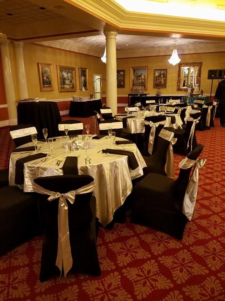 Gold Lame Sashes and Tablecloths w/ Black Napkins