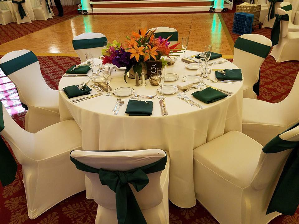 White Poly Tablecloths w/ Hunter Green Poly Sashes and Napkins