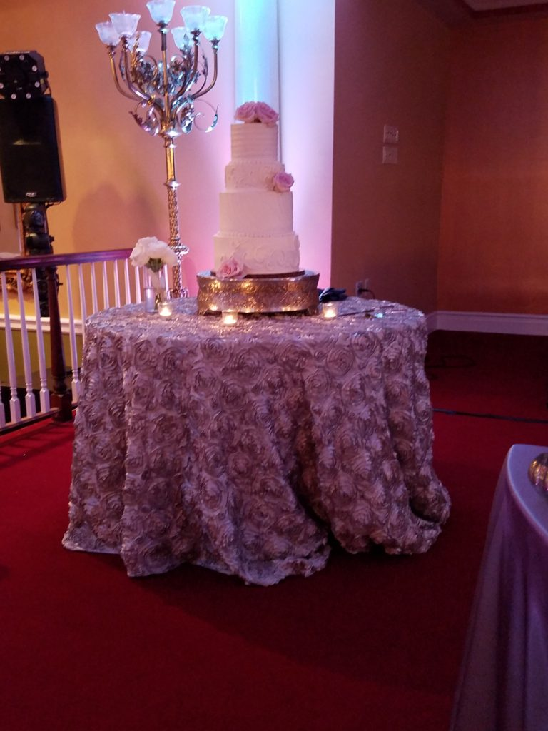 Lilac Rosette Tablecloth