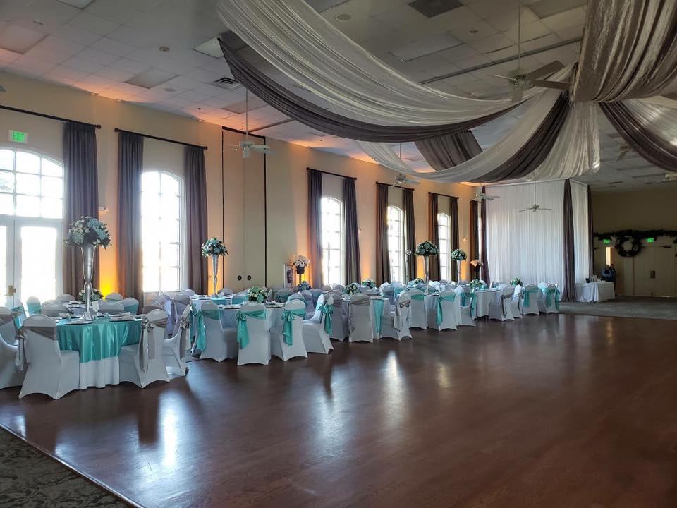Aqua Majestic Tablecloth and Silver and Aqua Majestic Sashes