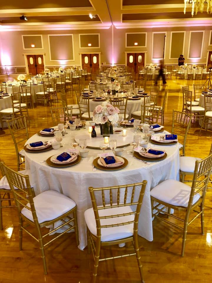 Ivory Taffeta Tablecloths with Blush Satin Napkins