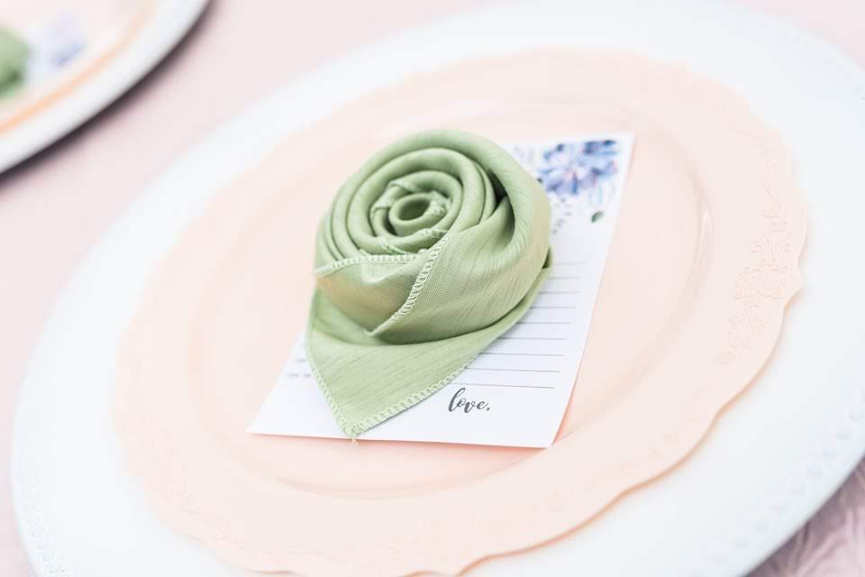 Light Pink Poly Tablecloth with Sage Majestic Napkins