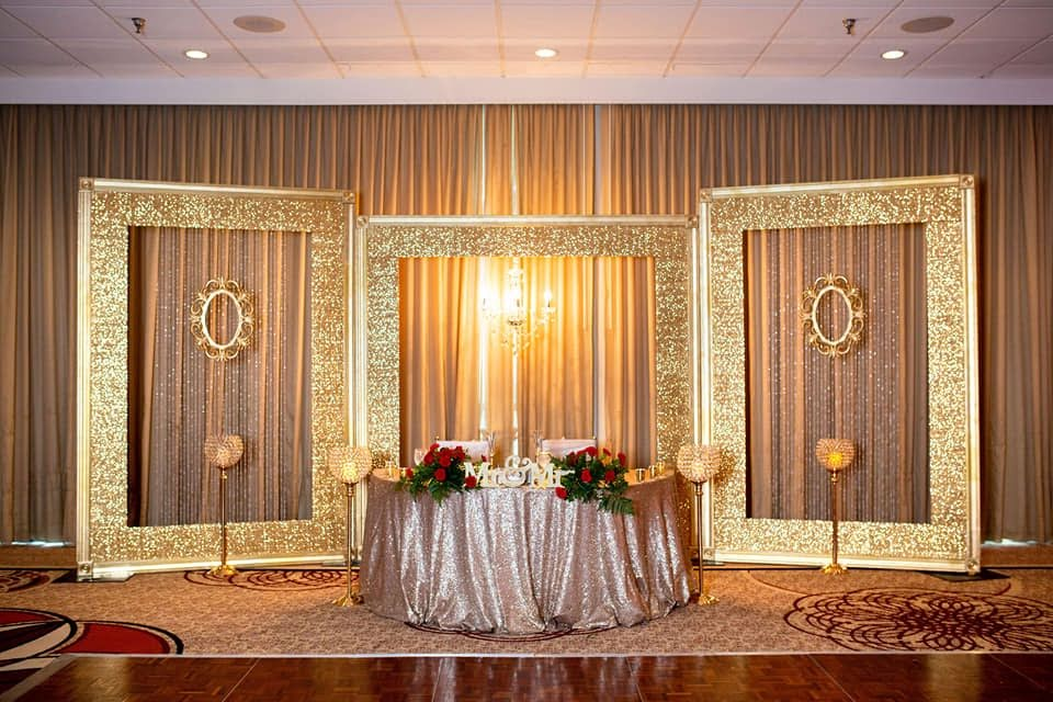 Champagne Sequin Tablecloths w/ Champagne Satin Sashes