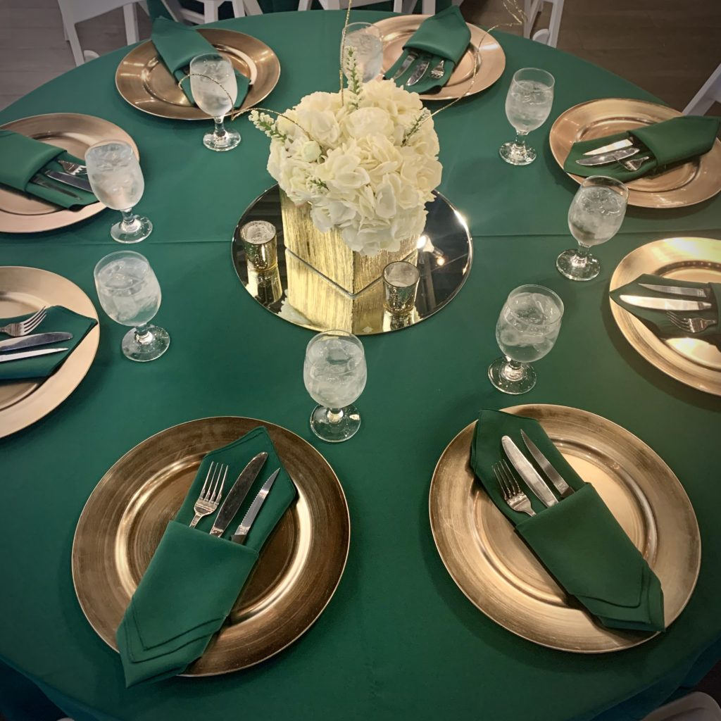 Hunter Green Poly Tablecloth and Napkins