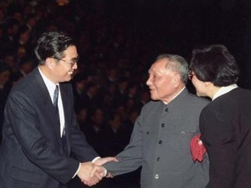 邓小平与胡锦涛