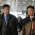 朝美特使金赫哲(Kim Hyok Chol左二)与朝鲜代表团2019年2月19日北京机场