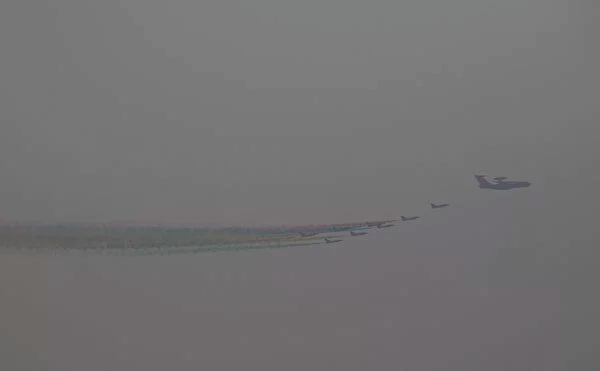 雾霾笼罩京城,网友感觉是亡党征兆