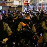 现在的香港警察实际由驻港部队接管了