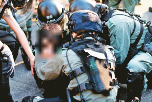 香港女孩被中共警察轮奸