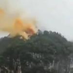 共官方媒体称北斗三号卫星在西昌卫星发射中心发射成功。但网传贵州余庆县村民发现了坠毁的印有中共国旗的卫星仓