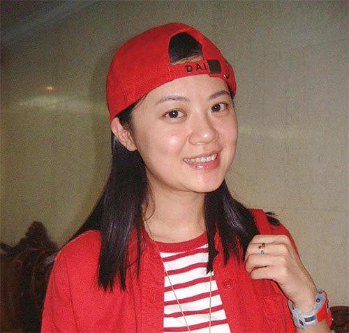 暗恋王沪宁的前中央电视台女主持姜丰