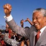 南非总统曼德拉搞垮了南非和非洲