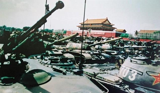 六四坦克屠城