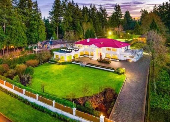 加拿大豪华房地产房子