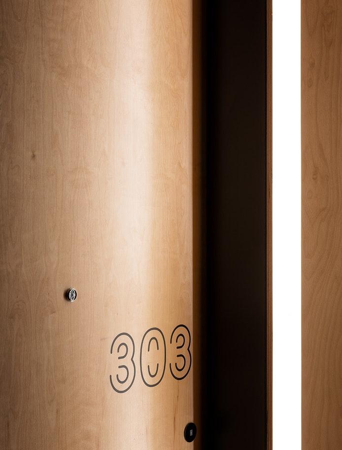 44_source_hotel_print-SOURCE-HOTEL-Vert_SM_sRGB