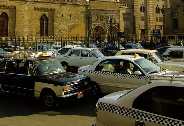 Getting Around Cairo in Arabic: Taxis