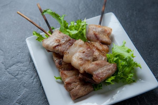 yakitori skewered grilled chicken dish displayed on plate