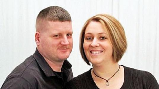 john-kevin-wood-marine-wife-melissa-tw-600