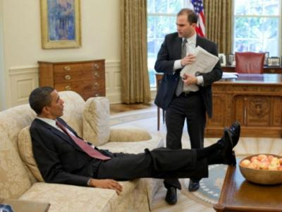obama_rhodes_WH_photo
