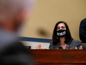 GOP Congresswoman Pulls Biden Aside After Speech to Urge Him to Tour Border