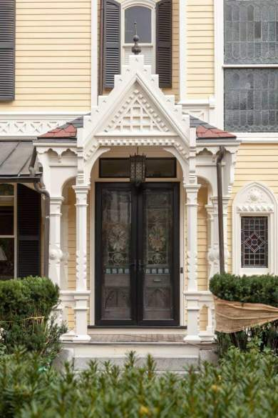 gothic-revival-exterior-painting-m