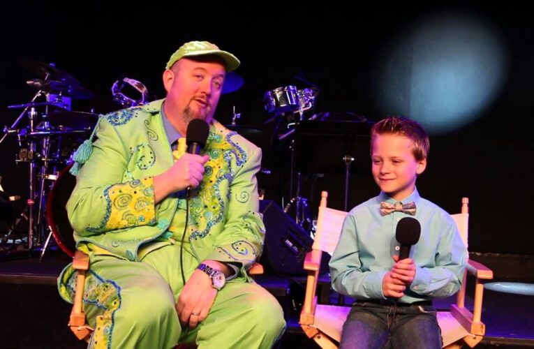 Featured Video: Kids Connection Jr Reporter Interviews Apple Jack in Branson (2016)