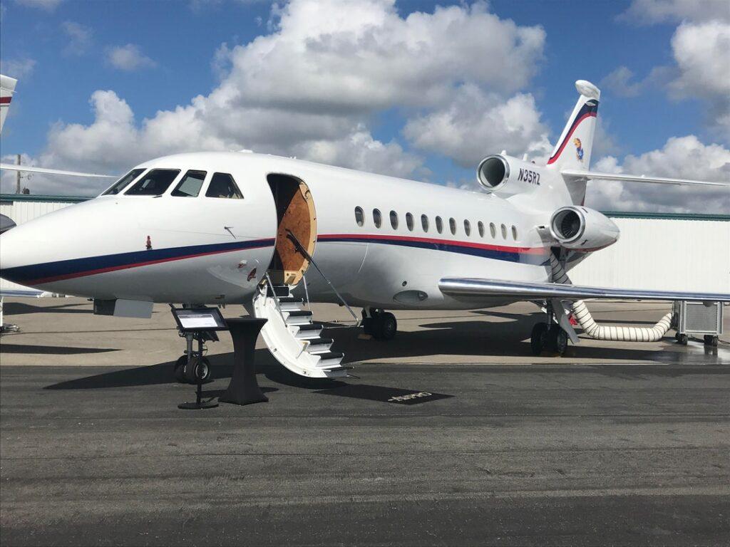Private Aircraft. Republic Jet Center