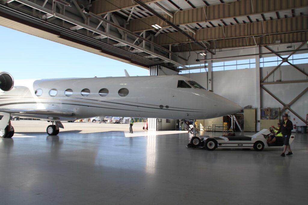 Republic Jet Center Hangar Space   Republic Airport   KFRG Farmingdale, New York