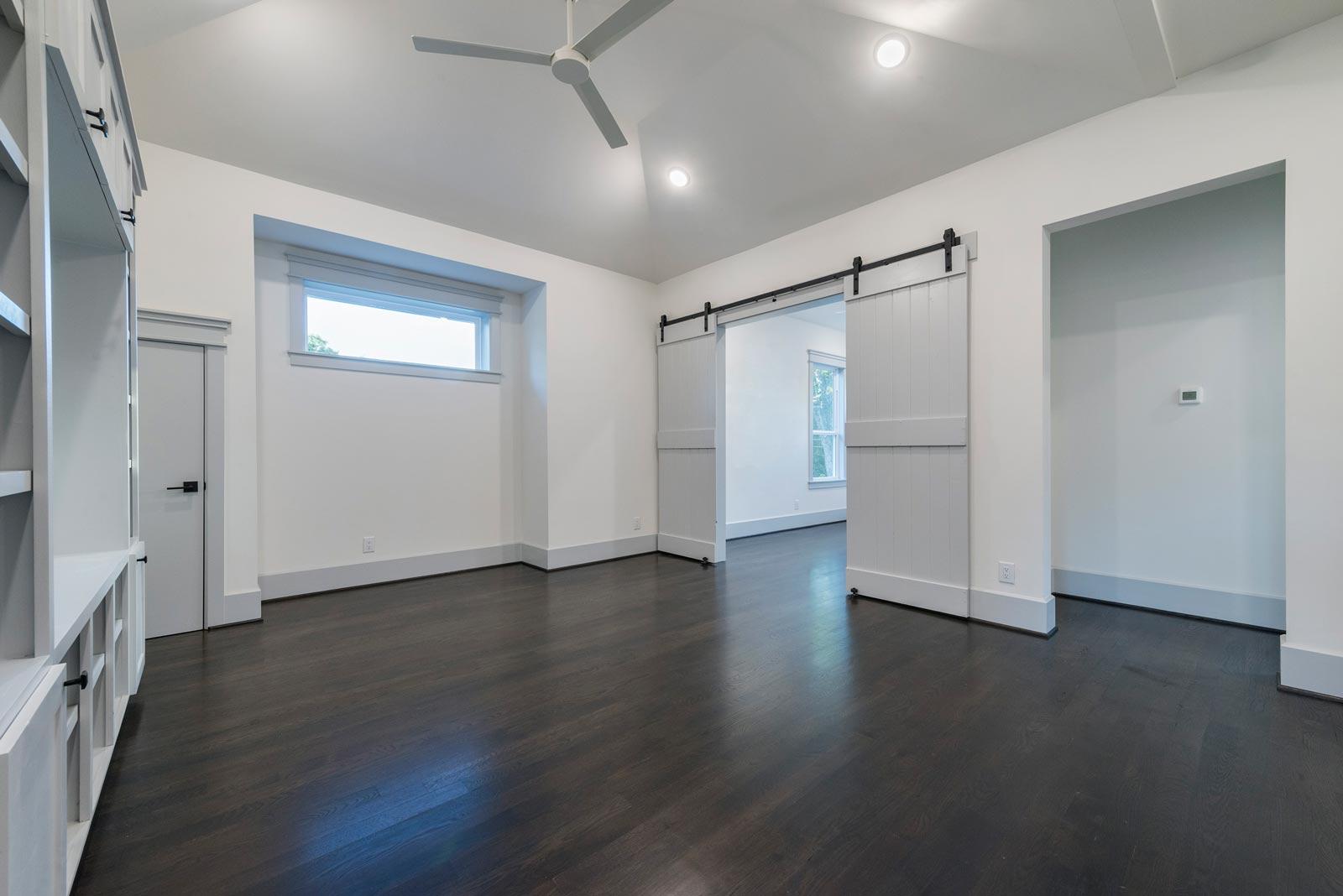 Houston-Homebuilder-Custom-Homebuilder-Central-Houston-Homebuilder-Oak-Forest-Homebuilder-Custom-Built-Barn-Doors