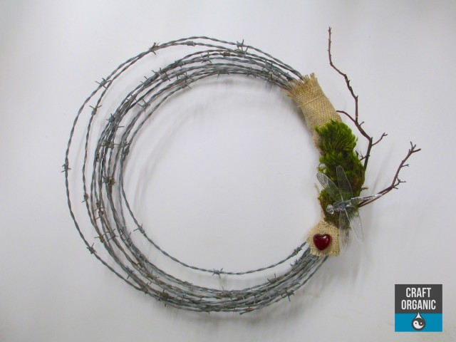 Barbed Wire Wreath 01