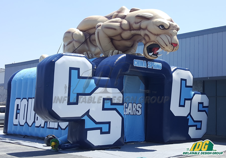CS Cougars tunnel